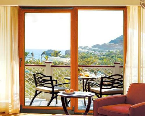 铝合金门窗用什么玻璃才好呢?